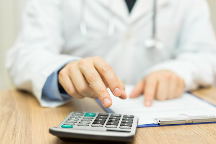 Doctors – 4 Income splitting scenarios that may help minimise tax